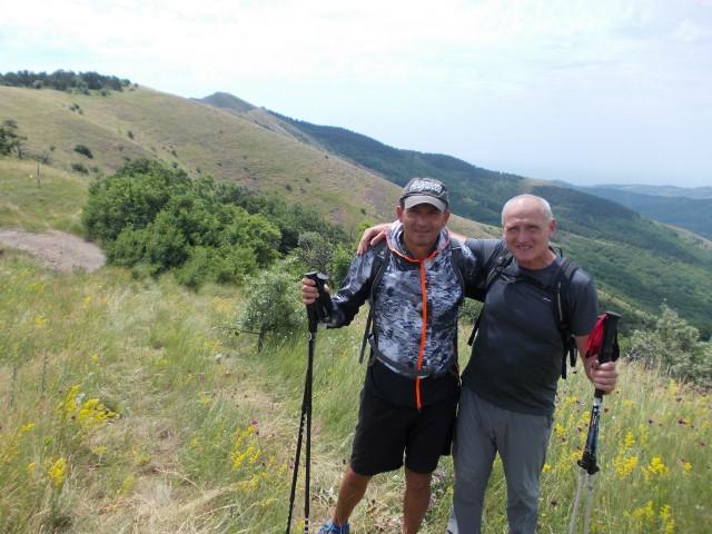 353-VSTRECA-NA-GORE-KALASYS-OBA-S-TURIST